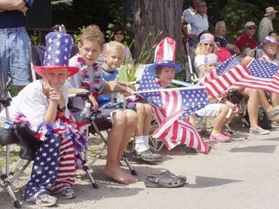 fourth_of_july_parade_sitters
